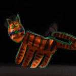 Desfile de gatos-marionetas